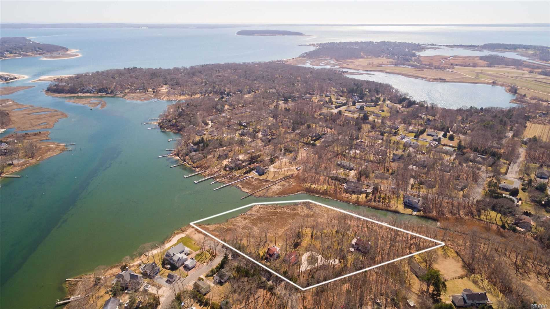 Residential For Sale in 2880 Harbor Lane, Cutchogue, NY ,11935