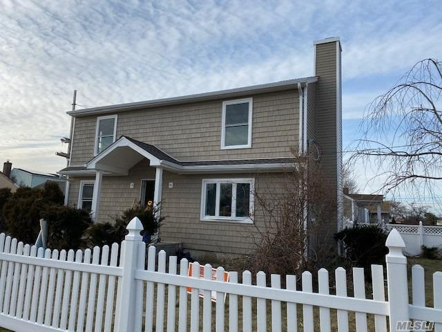 Residential For Sale in 1185 Walnut Street, Uniondale, NY ,11553