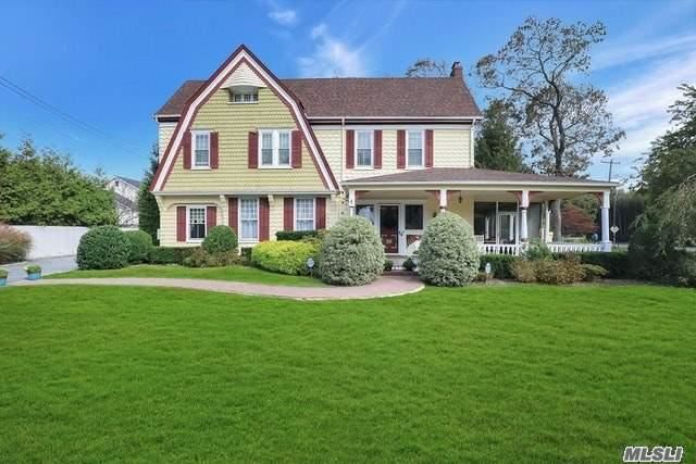 Residential For Sale in 141 Elm Street, Sayville, NY ,11782
