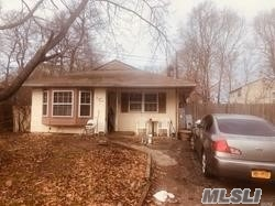 Residential For Sale in 77 Bedford Avenue, Mastic, NY ,11950