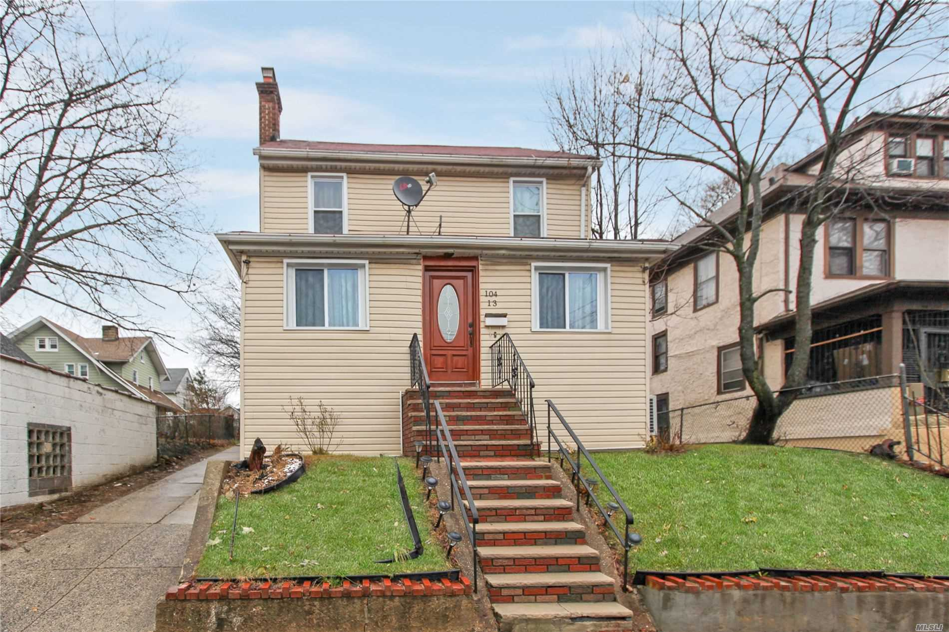 Residential For Sale in 104-13 191st Street, St. Albans, NY ,11412