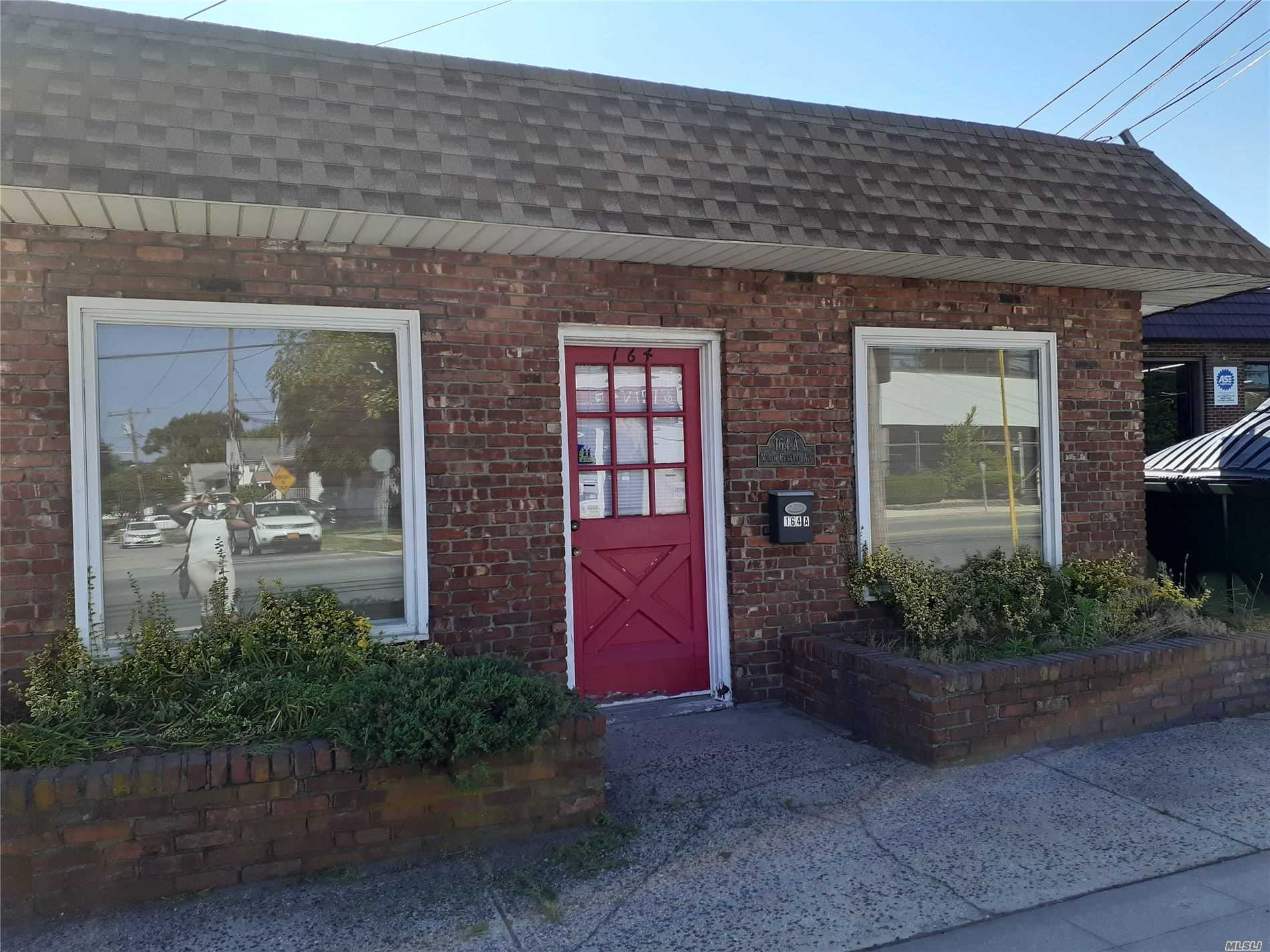 Commercial for lease in 164 Central Ave N, Valley Stream, NY ,11580