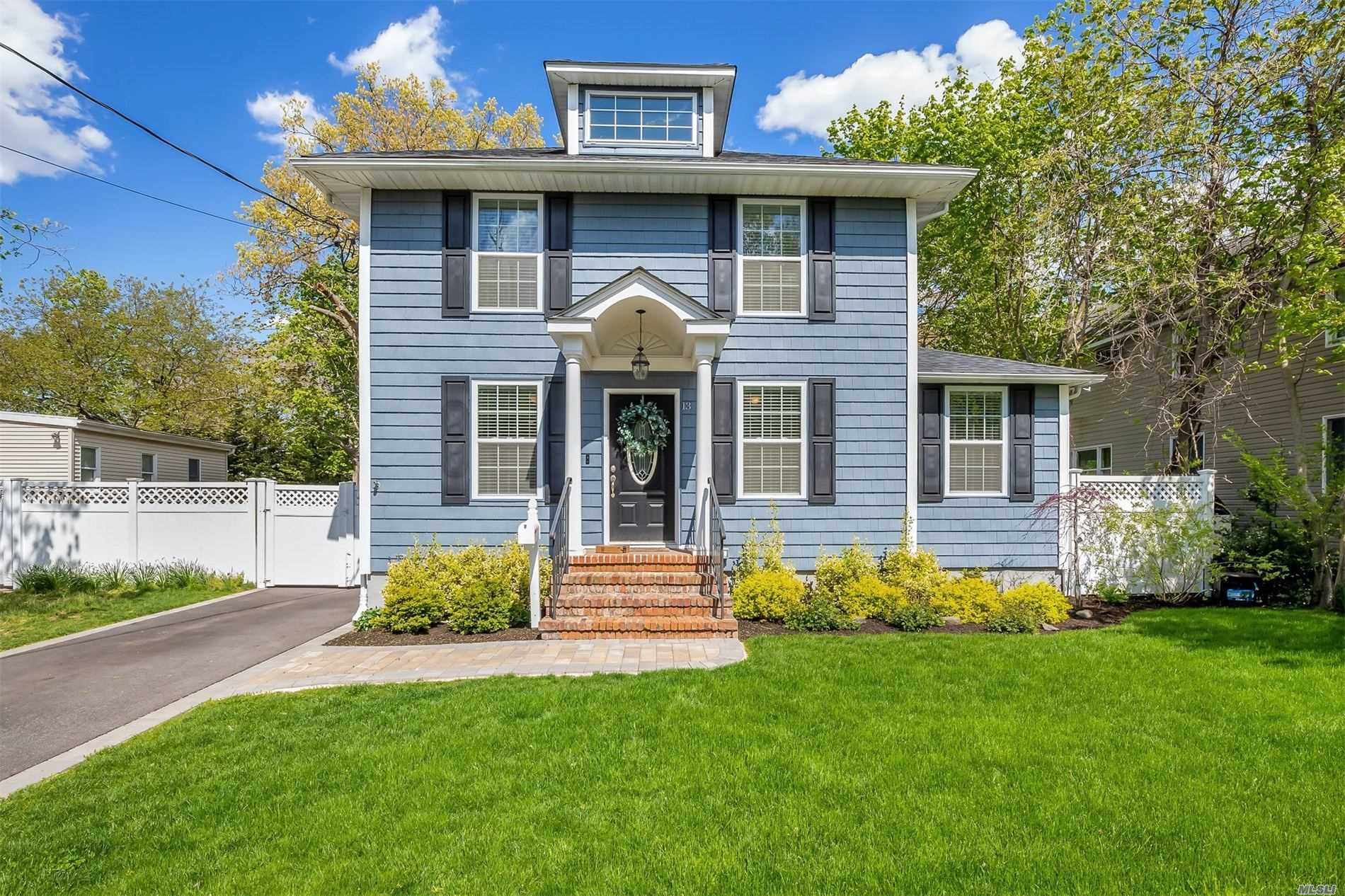 Residential For Sale in 13 Charles Avenue, Islip Terrace, NY ,11752