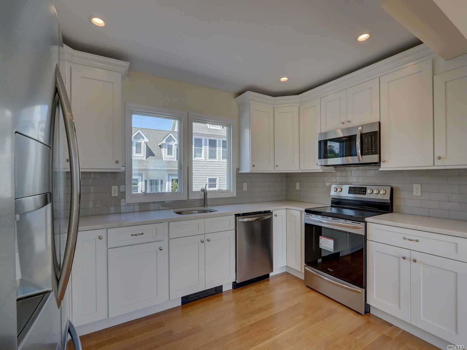 Residential For Sale in 10 Seabreeze Place, Center Moriches, NY ,11934