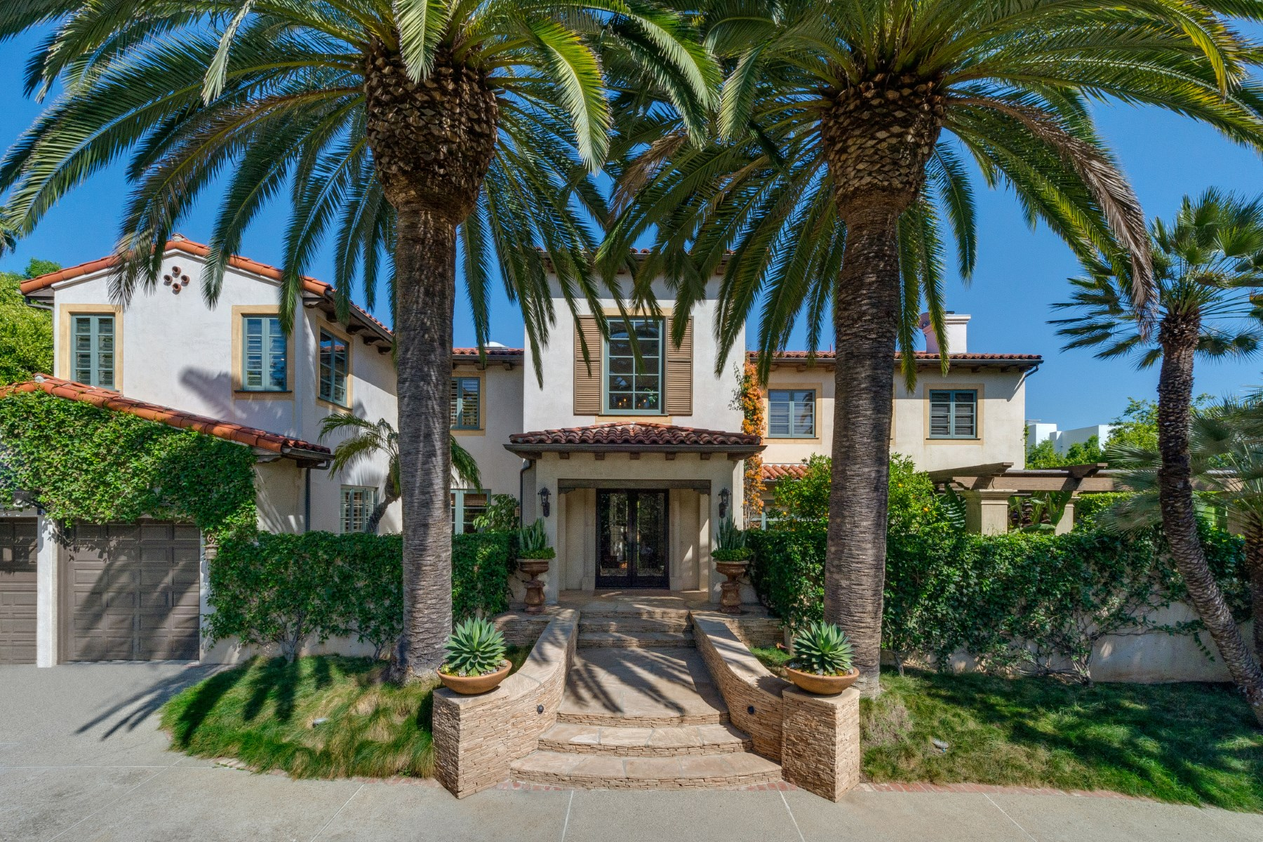 Single Family Home for sale in 140 S Cliffwood Avenue, Los Angeles, California ,90049