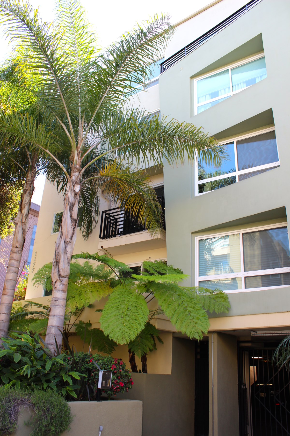 Apartment for sale in 1177 Wellesley Avenue Unit #201, Los Angeles, California ,90049