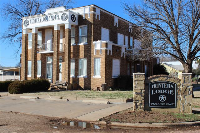 Commercial for sale in 902 North 11th, Paducah, Texas ,79248