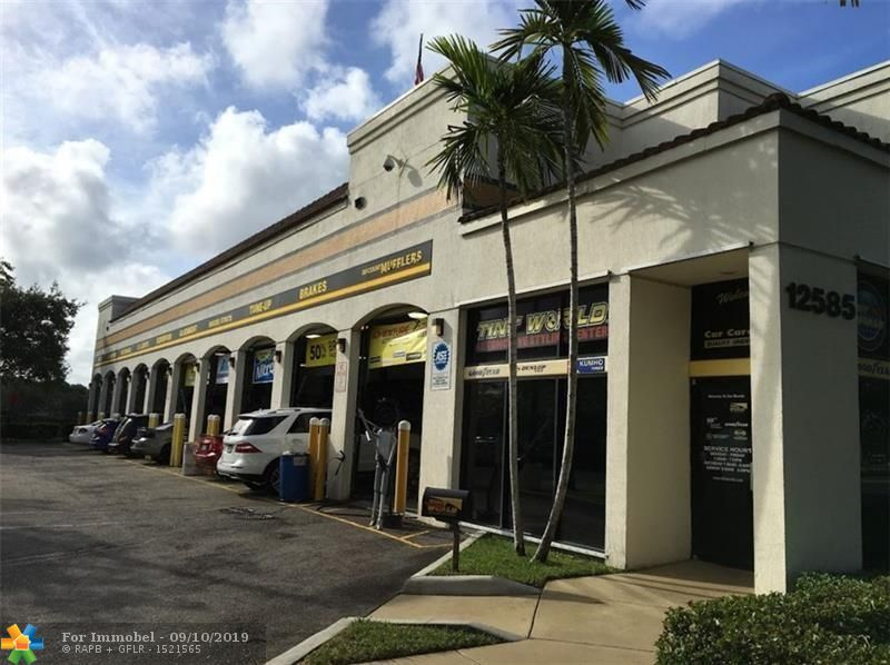 Commercial for sale in 12585 W Sunrise Blvd, Sunrise, Florida ,33323