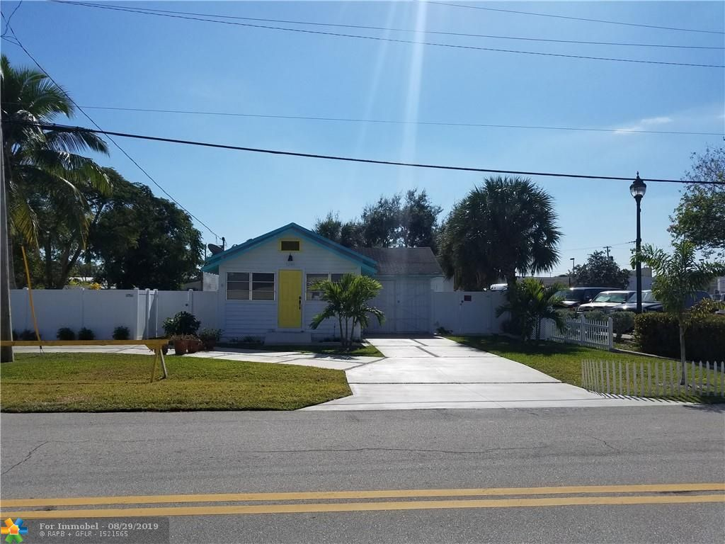 Single Family Home for sale in 1240 NE 34th Ct, Oakland Park, Florida ,33334