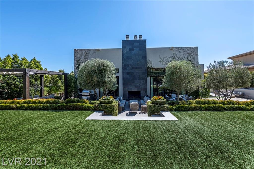 Residential For Sale in 56 Wildwing Court, Las Vegas, Nevada ,89135