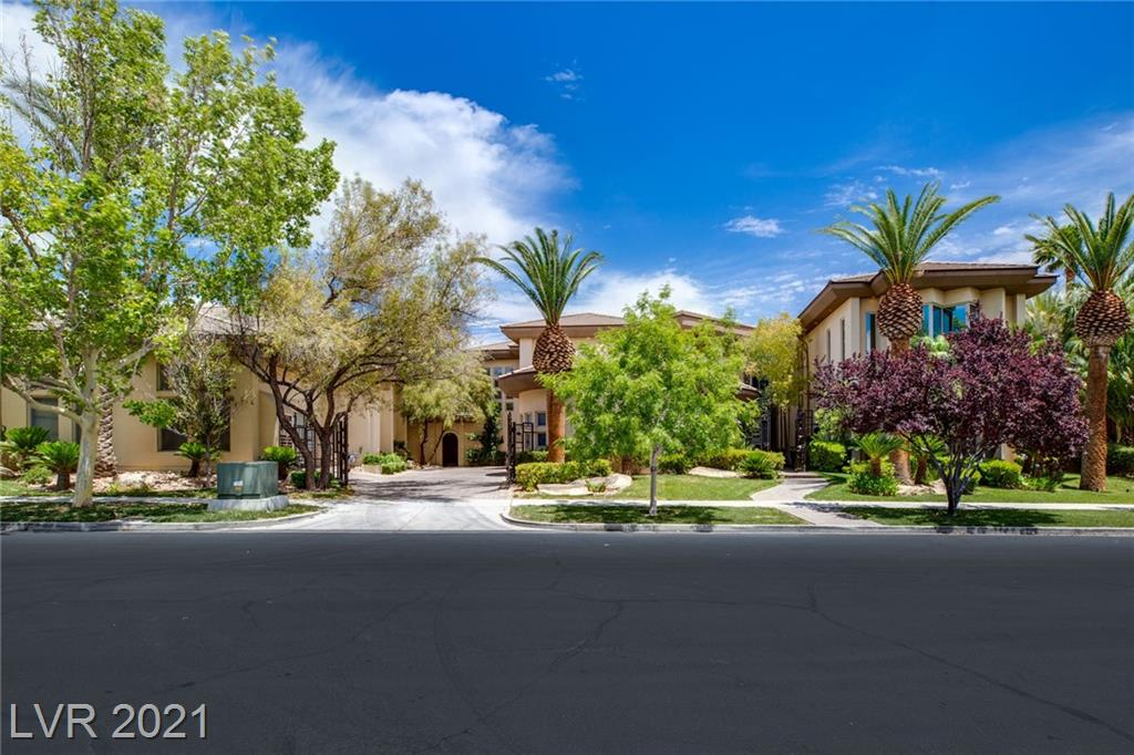 Residential For Sale in 9720 Highridge Drive, Las Vegas, Nevada ,89134