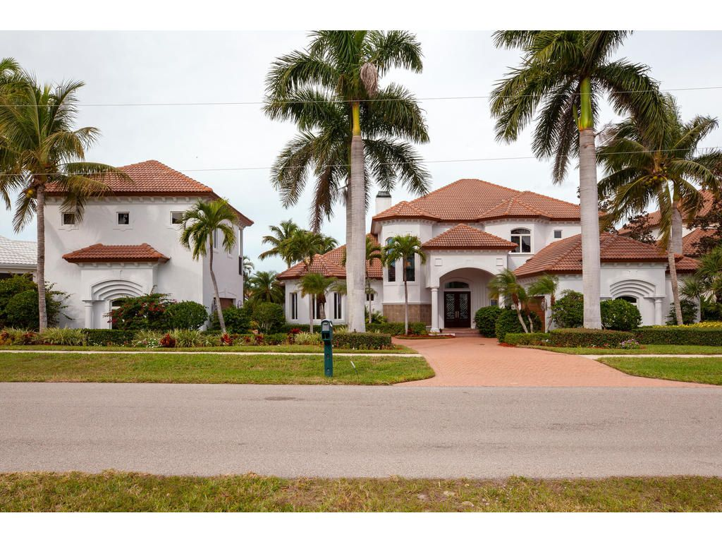 Single Family Home for sale in 800 COPELAND DR, MARCO ISLAND, Florida ,34145