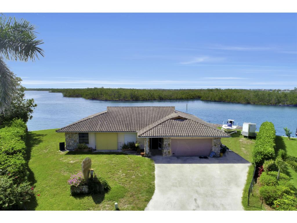 Single Family Home for sale in 194 TRINIDAD ST, NAPLES, Florida ,34113