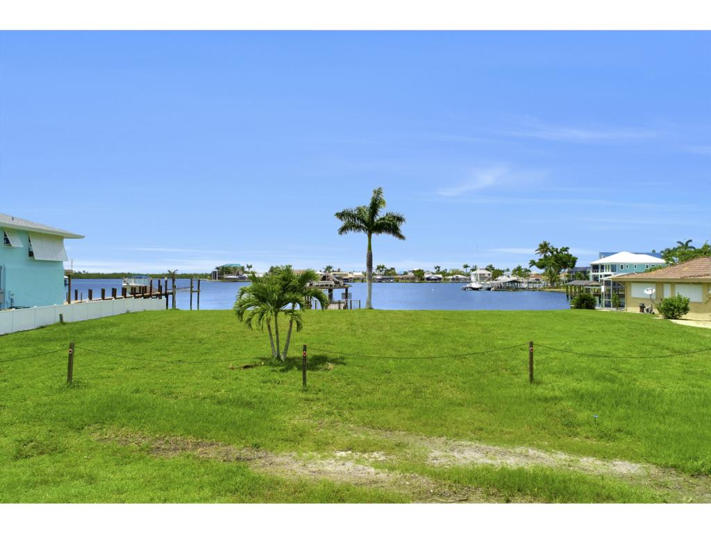 Land for sale in 19 Pelican ST W, Naples, Florida ,34113