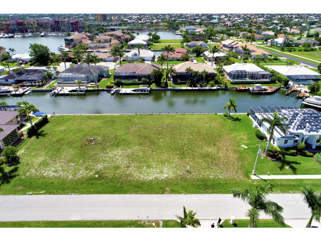 Land for sale in 617 CRESCENT ST, MARCO ISLAND, Florida ,34145
