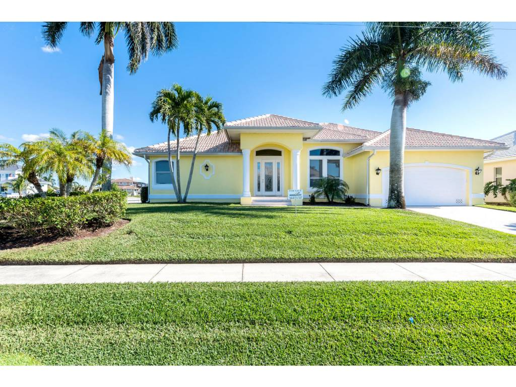 Single Family Home for sale in 119 GULFPORT CT, MARCO ISLAND, Florida ,34145