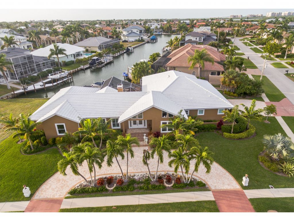 Single Family Home for sale in 652 CRESCENT ST, MARCO ISLAND, Florida ,34145