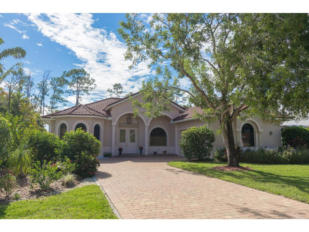 Single Family Home for sale in 714 PINE CREST LN, Naples, Florida ,34104