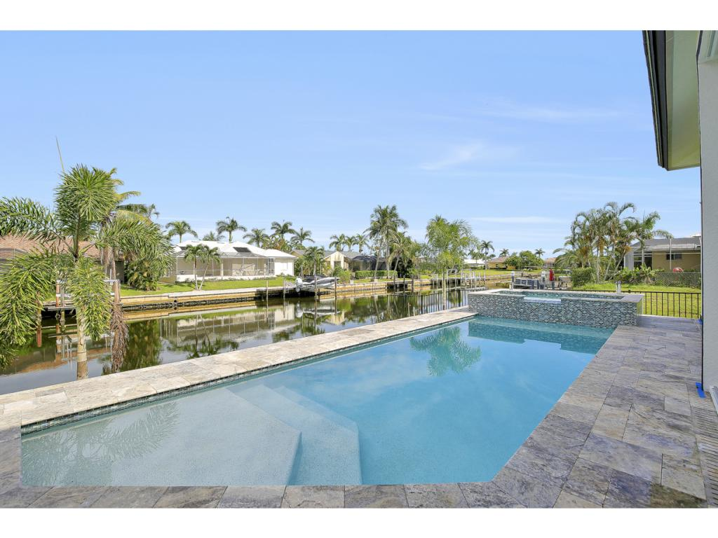 Single Family Home for sale in 32 GULFPORT CT, MARCO ISLAND, Florida ,34145