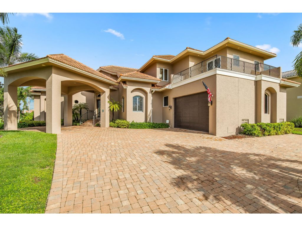 Single Family Home for sale in 901 HYACINTH CT, MARCO ISLAND, Florida ,34145