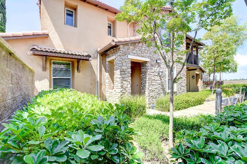 Townhouse/Row House for sale in 8090 Cornwall Court #2, Rancho Cucamonga, California ,91739
