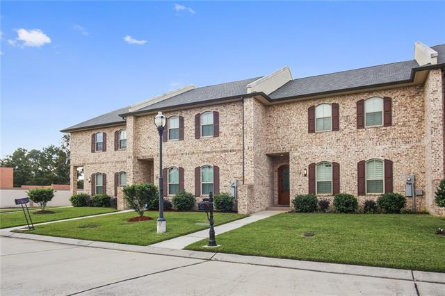 Townhouse/Row House for sale in 18 Napa Ln, Kenner, Louisiana ,70065