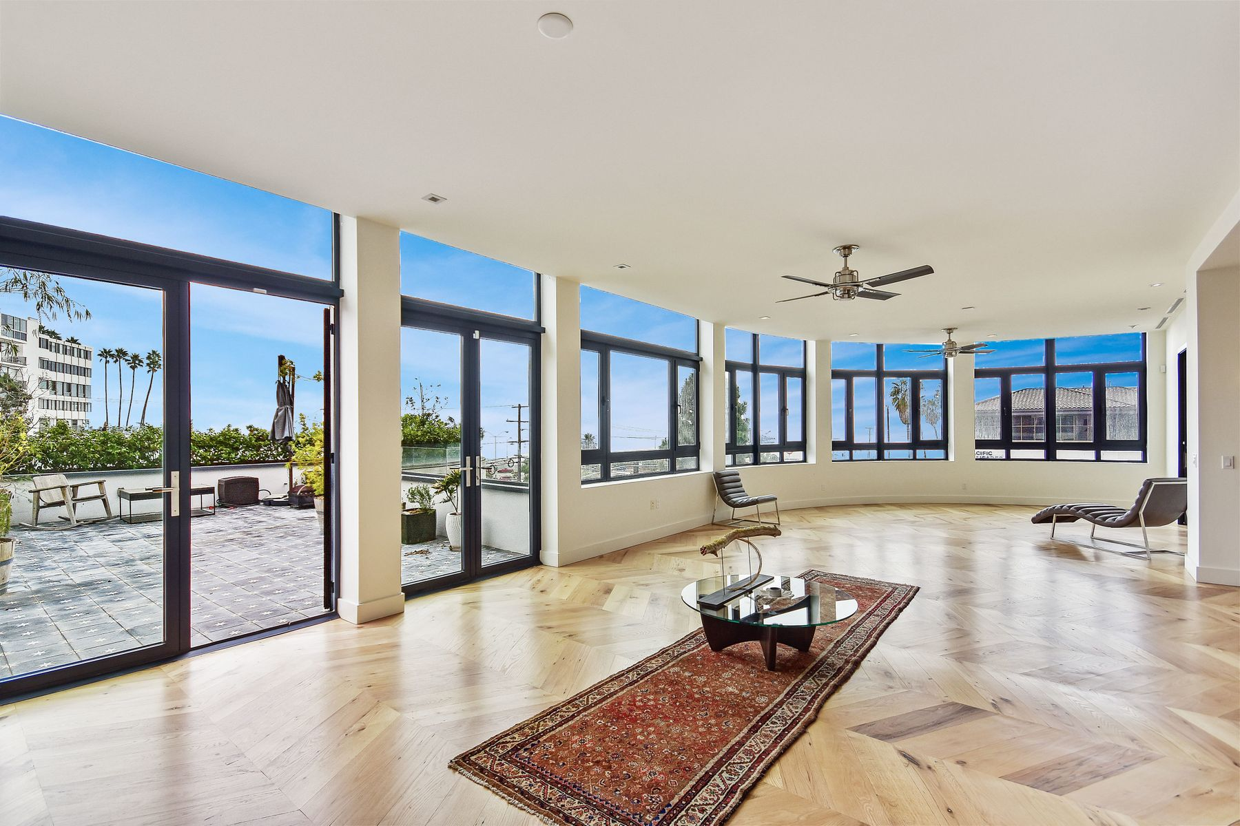 Condominium for sale in 17351 W Sunset Boulevard #3a, Pacific Palisades, California ,90272