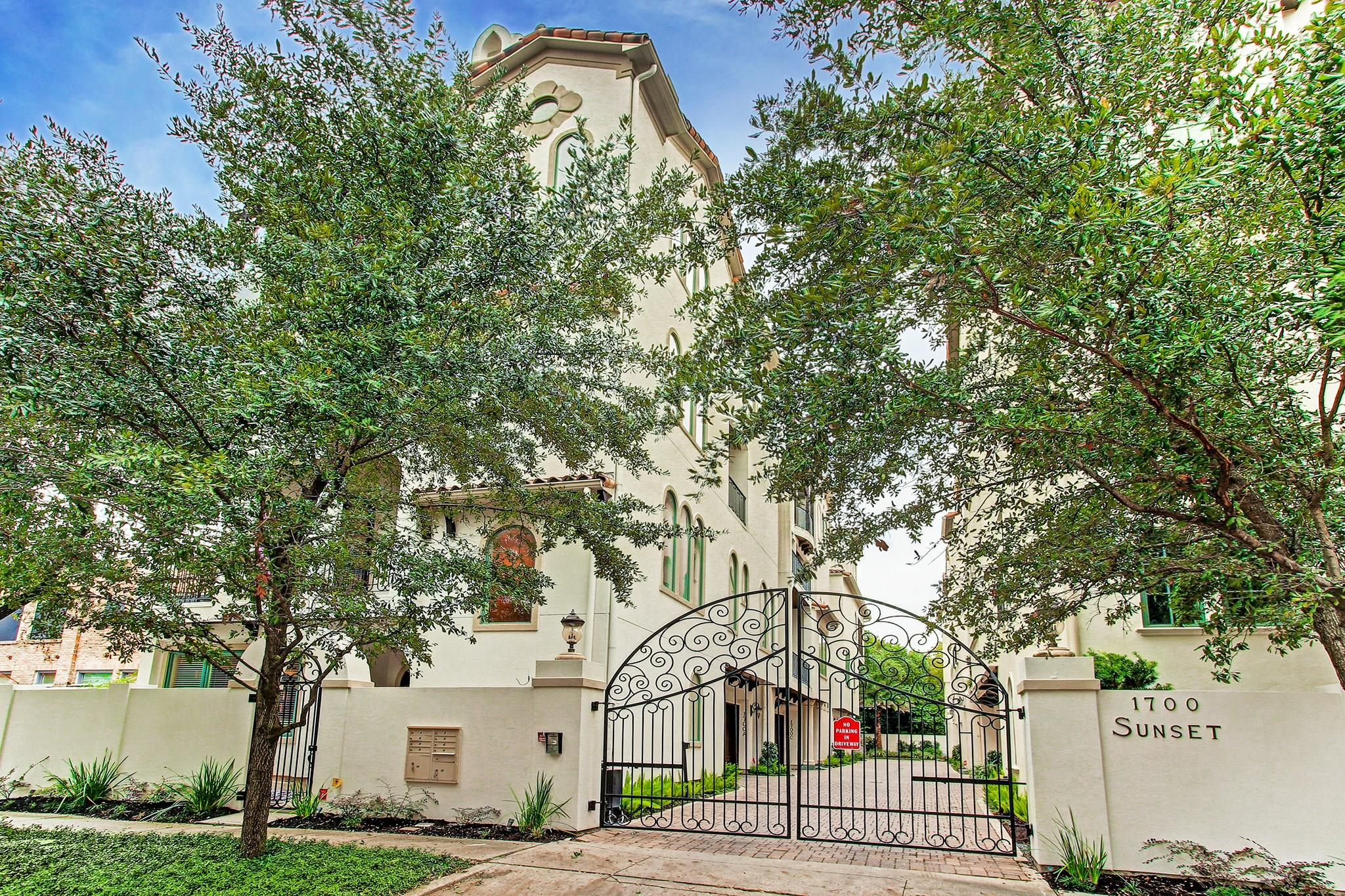Single Family Home for sale in 1700 Sunset Boulevard A, Houston, Texas ,77005