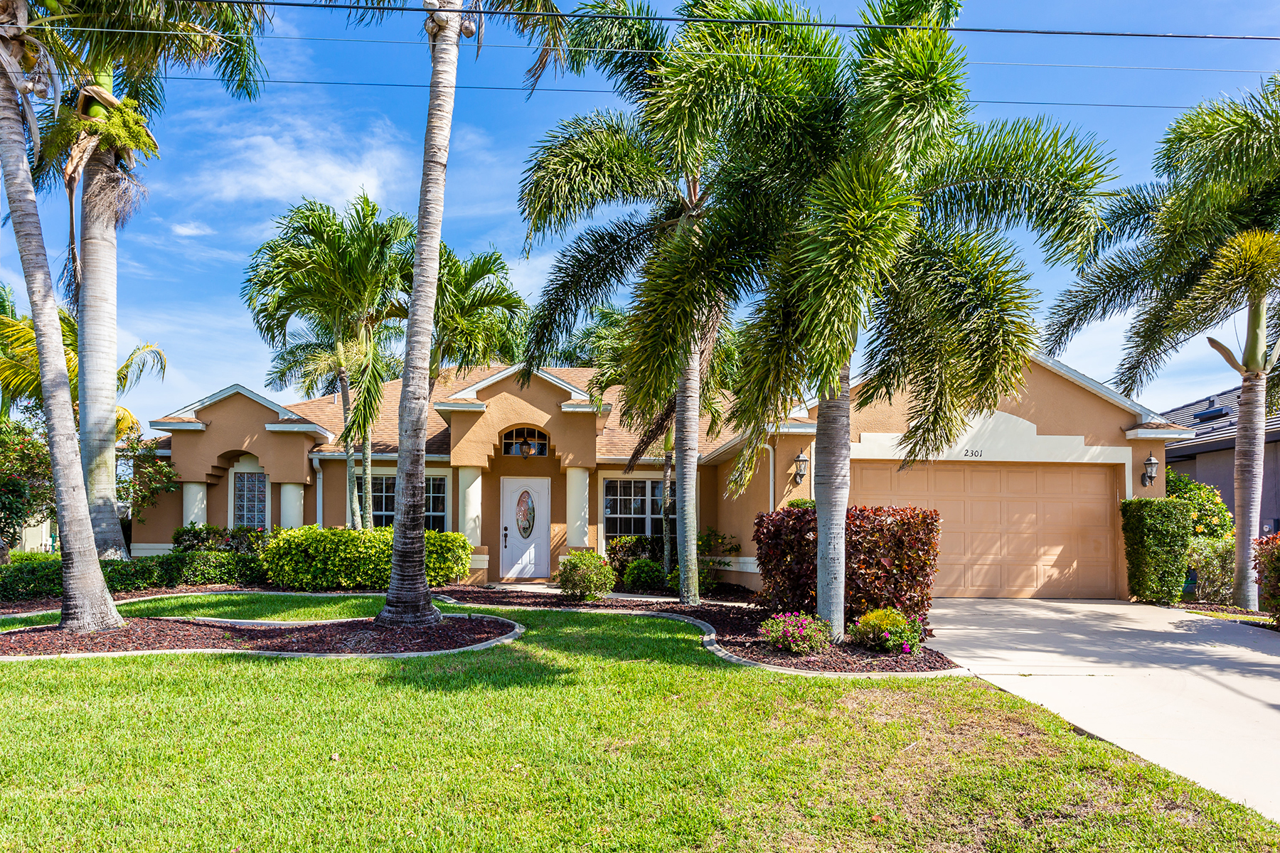 Single Family Home for sale in 2301 SW 50th LN, CAPE CORAL, Florida ,33914