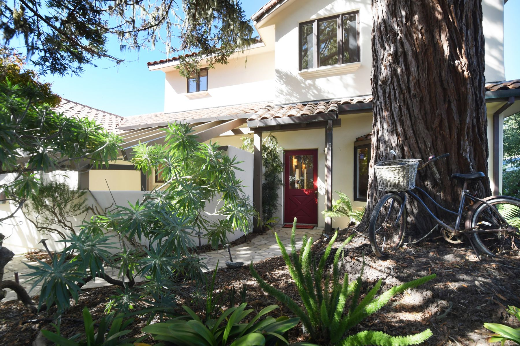 Single Family Home for sale in 220 Forest Park Court, Pacific Grove, California ,93950