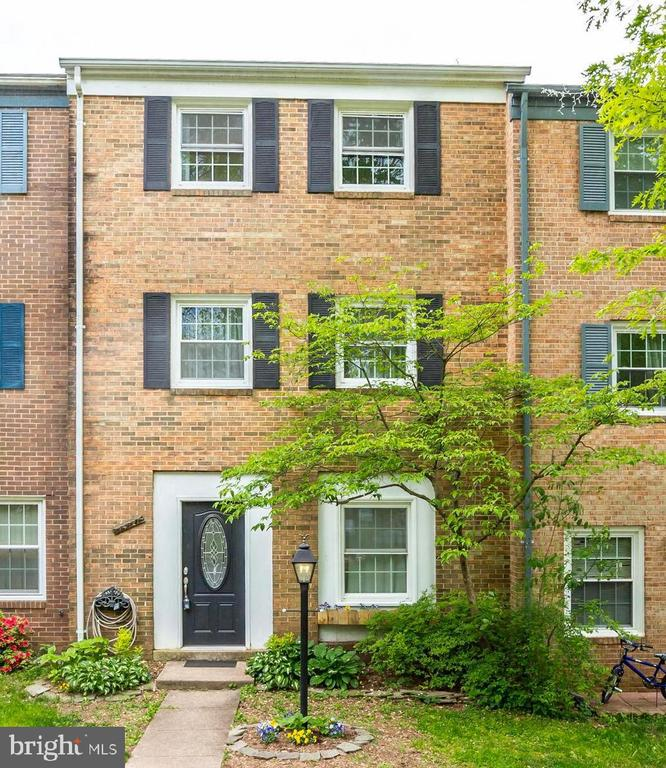 Single Family Home for sale in 14721 Bentley Sq, Centreville, Virginia ,20120