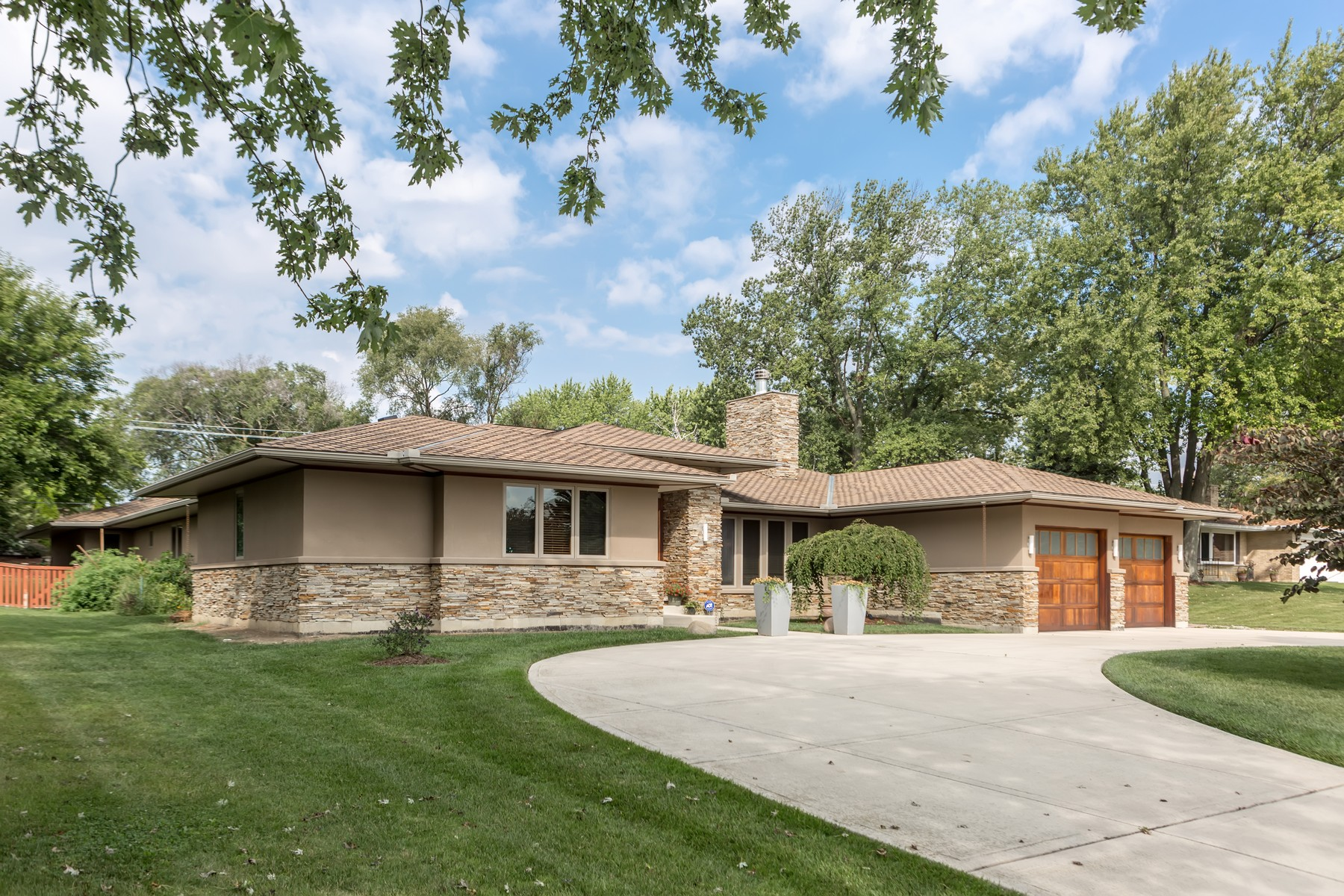 Single Family Home for sale in 8216 Tennessee Avenue, Willowbrook, Illinois ,60527