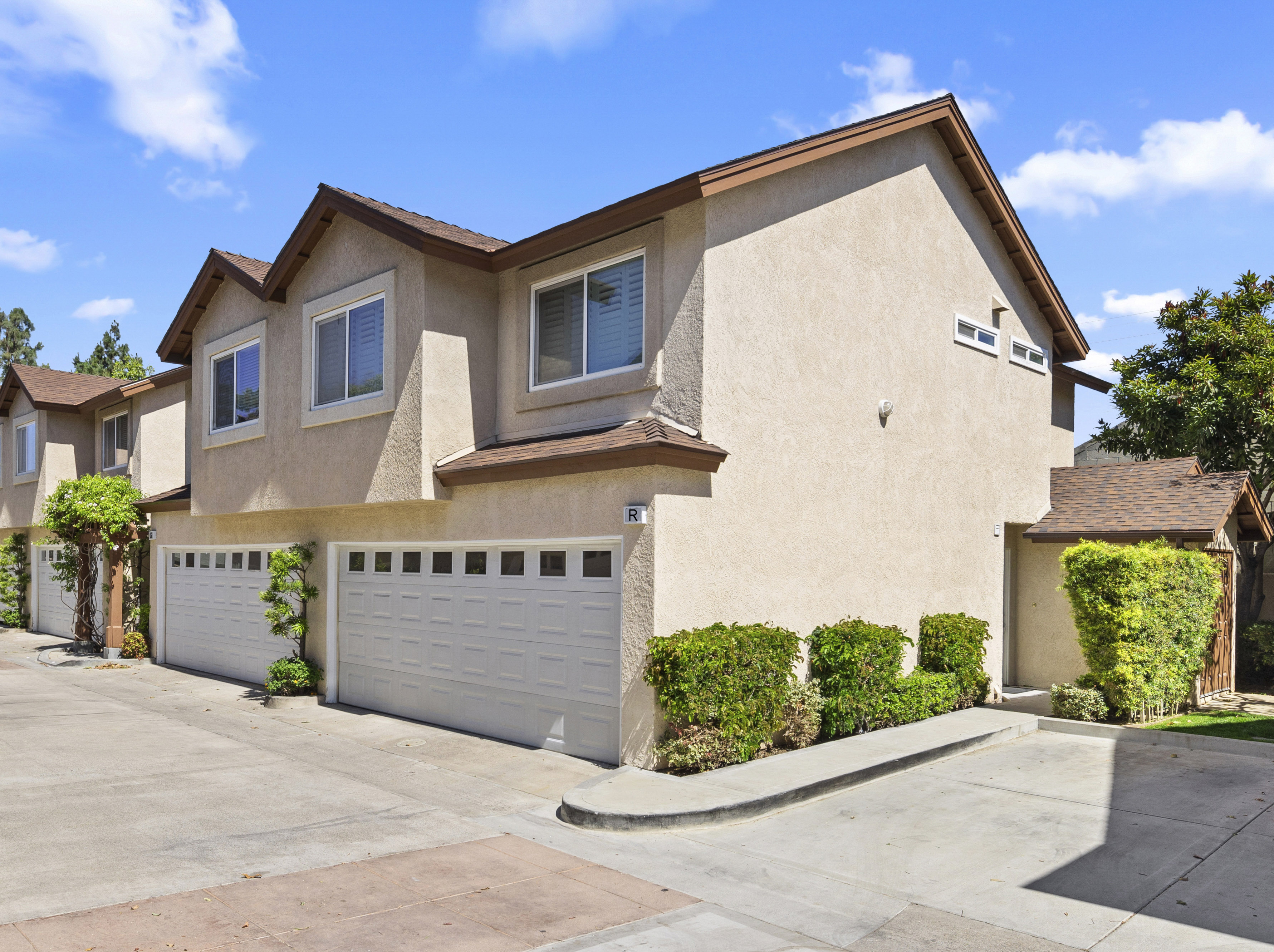 Townhouse/Row House for sale in 2233 Fairview Rd Unit R, Costa Mesa, California ,92627