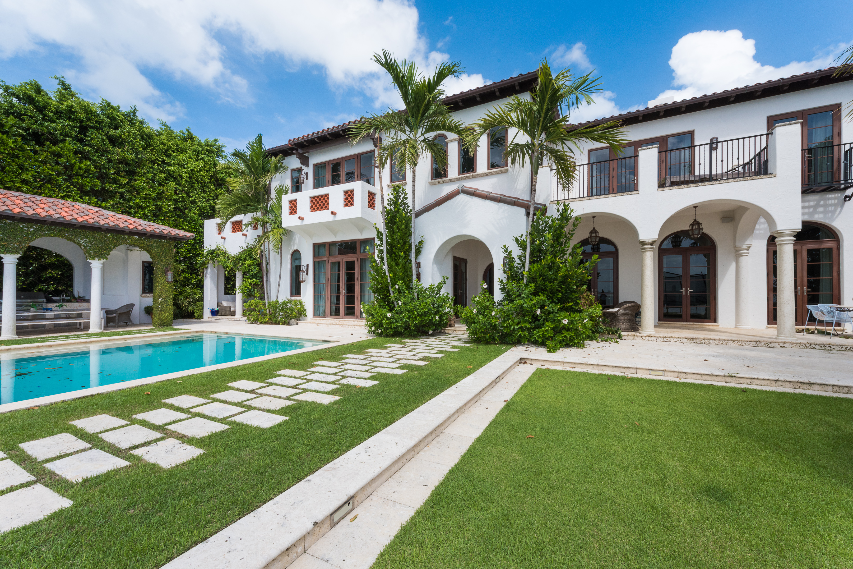 Single Family Home for sale in 4412 N Bay Rd, Miami Beach, Florida ,33140