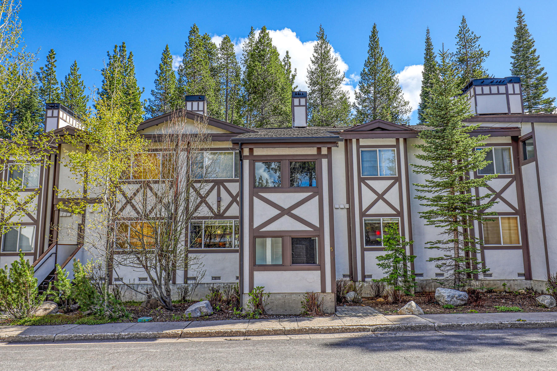 Condominium for sale in 227 Squaw Valley Road, Unit #39, Olympic Valley, California ,96146