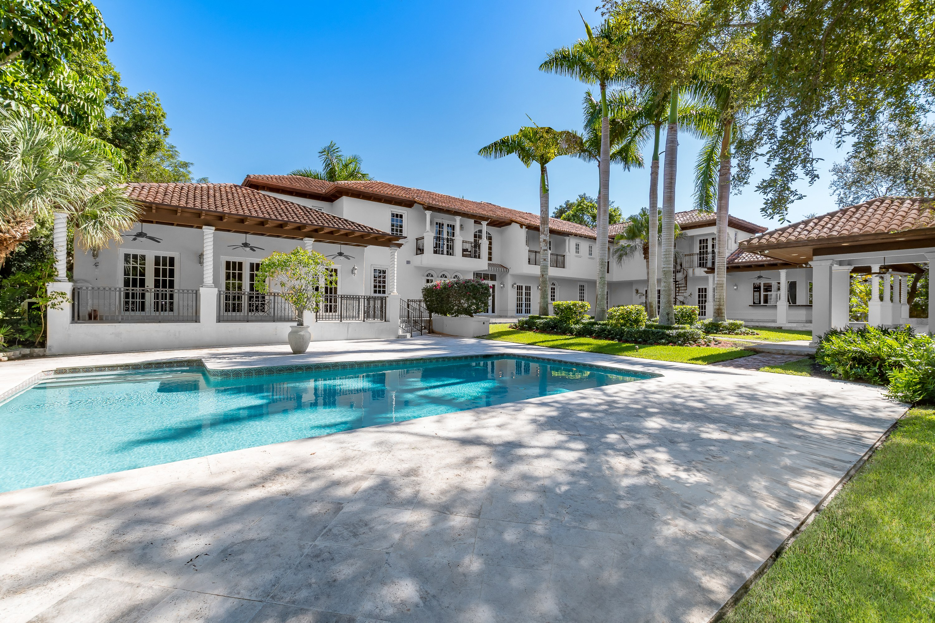 Single Family Home for sale in 10550 Old Cutler Rd, Coral Gables, Florida ,33156