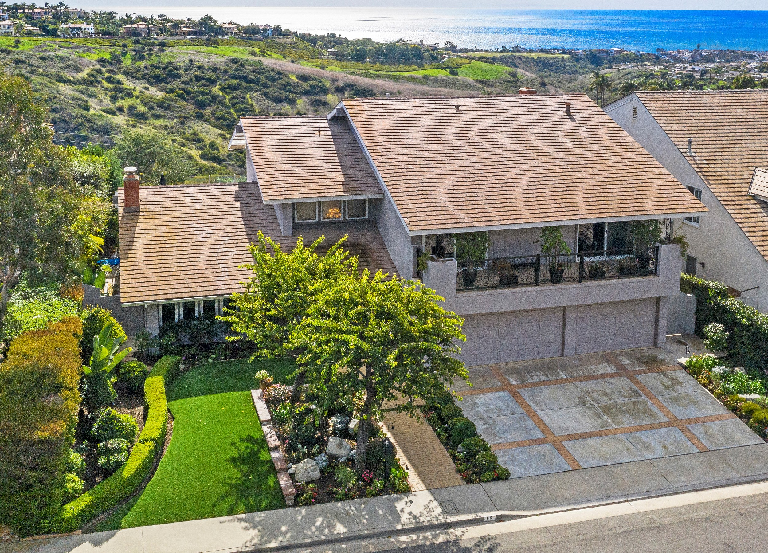 Residential For Sale in 15 San Mateo Way, Corona del Mar, California ,92625