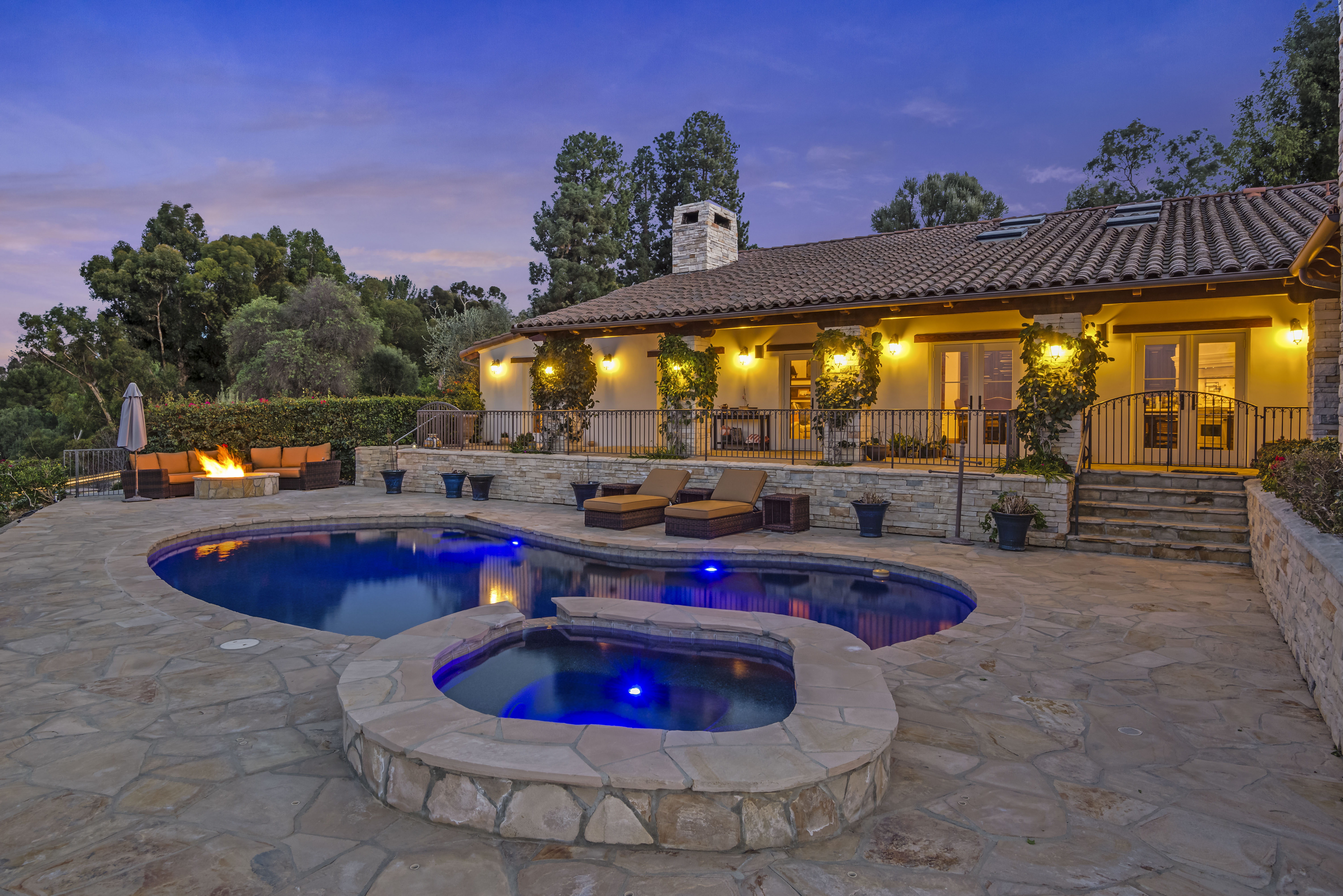 Single Family Home for sale in 18 Portuguese Bend Road, Rolling Hills, California ,90274