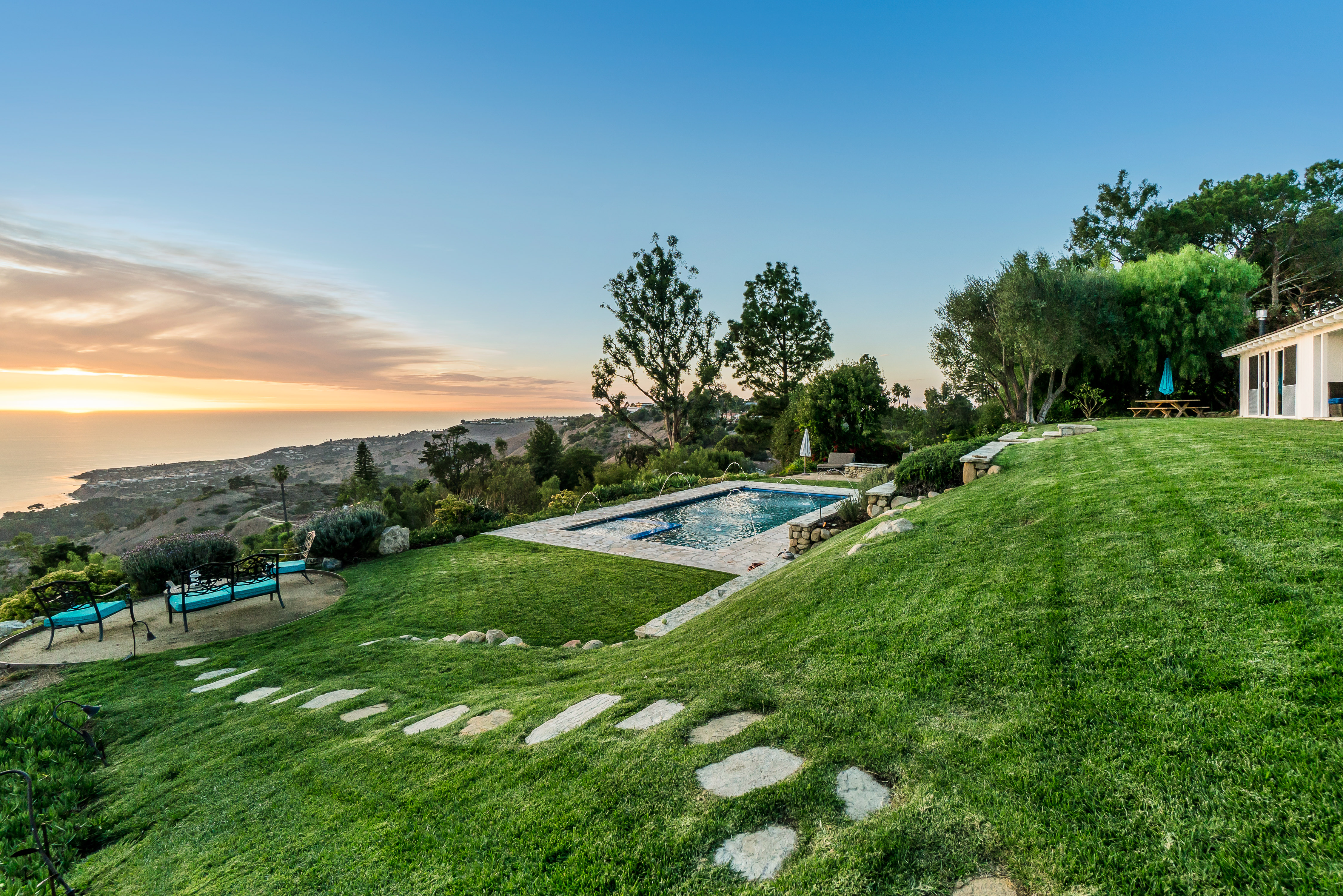 Single Family Home for sale in 2 Spur Lane, Rolling Hills, California ,90274