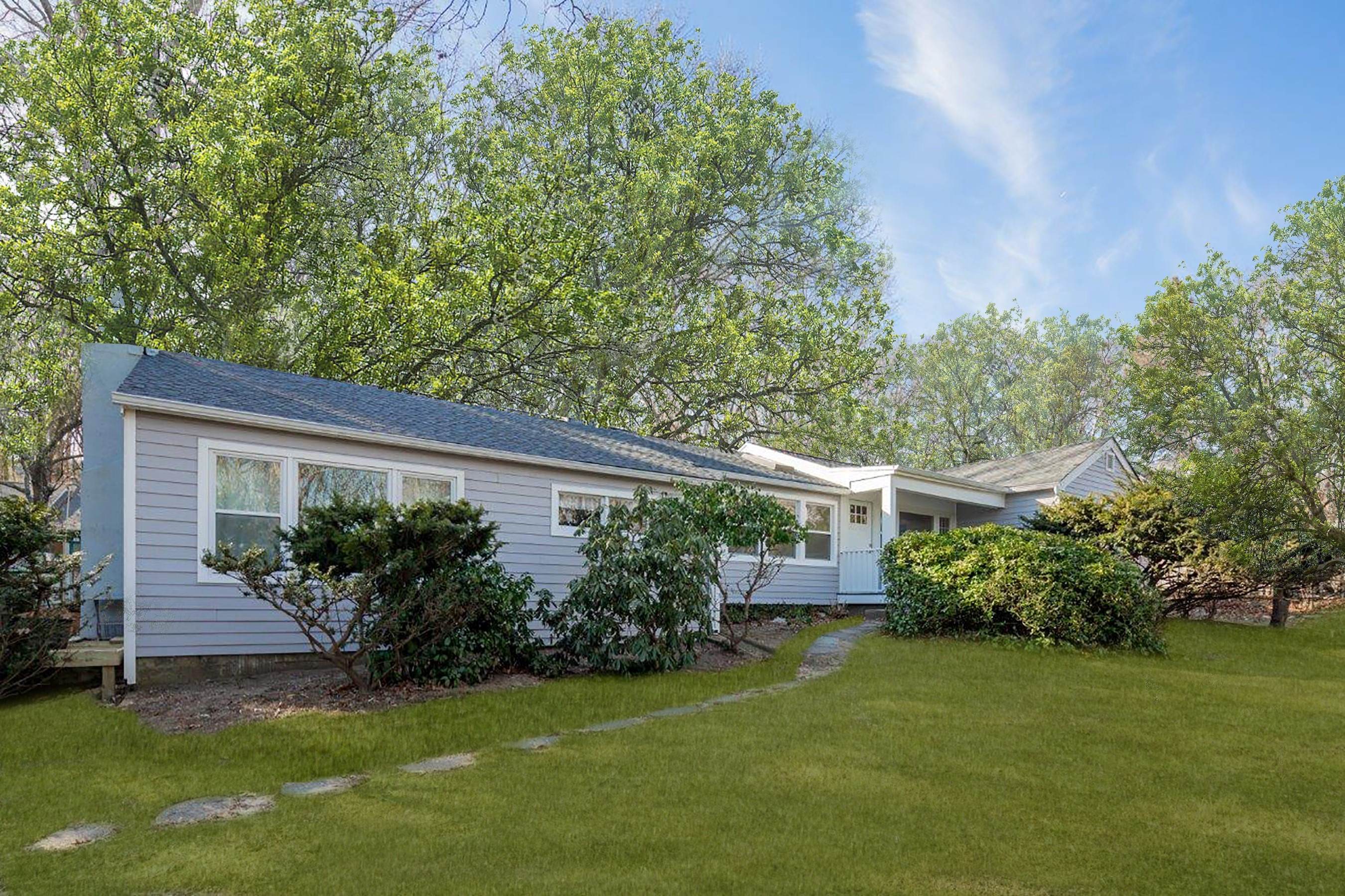 Residential For Sale in 3780 Noyac Road, Sag Harbor, NY ,11963