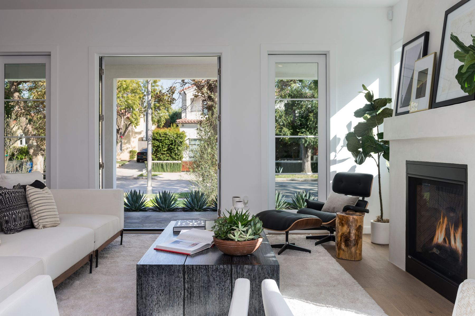 Single Family Home for sale in 935 South Burnside Avenue, Los Angeles, California ,90036