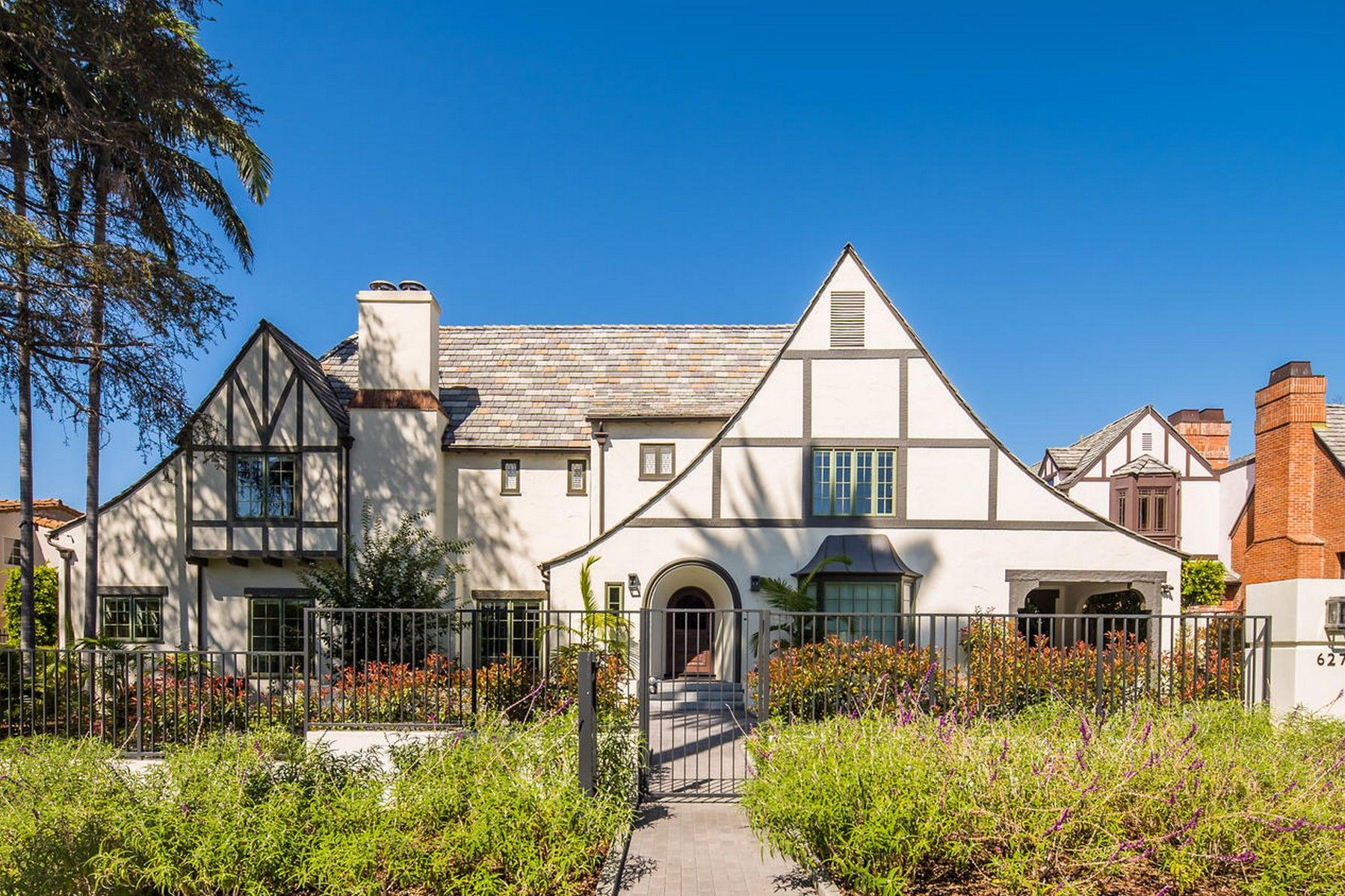 Single Family Home for sale in 627 North Hillcrest Road, Beverly Hills, California ,90210