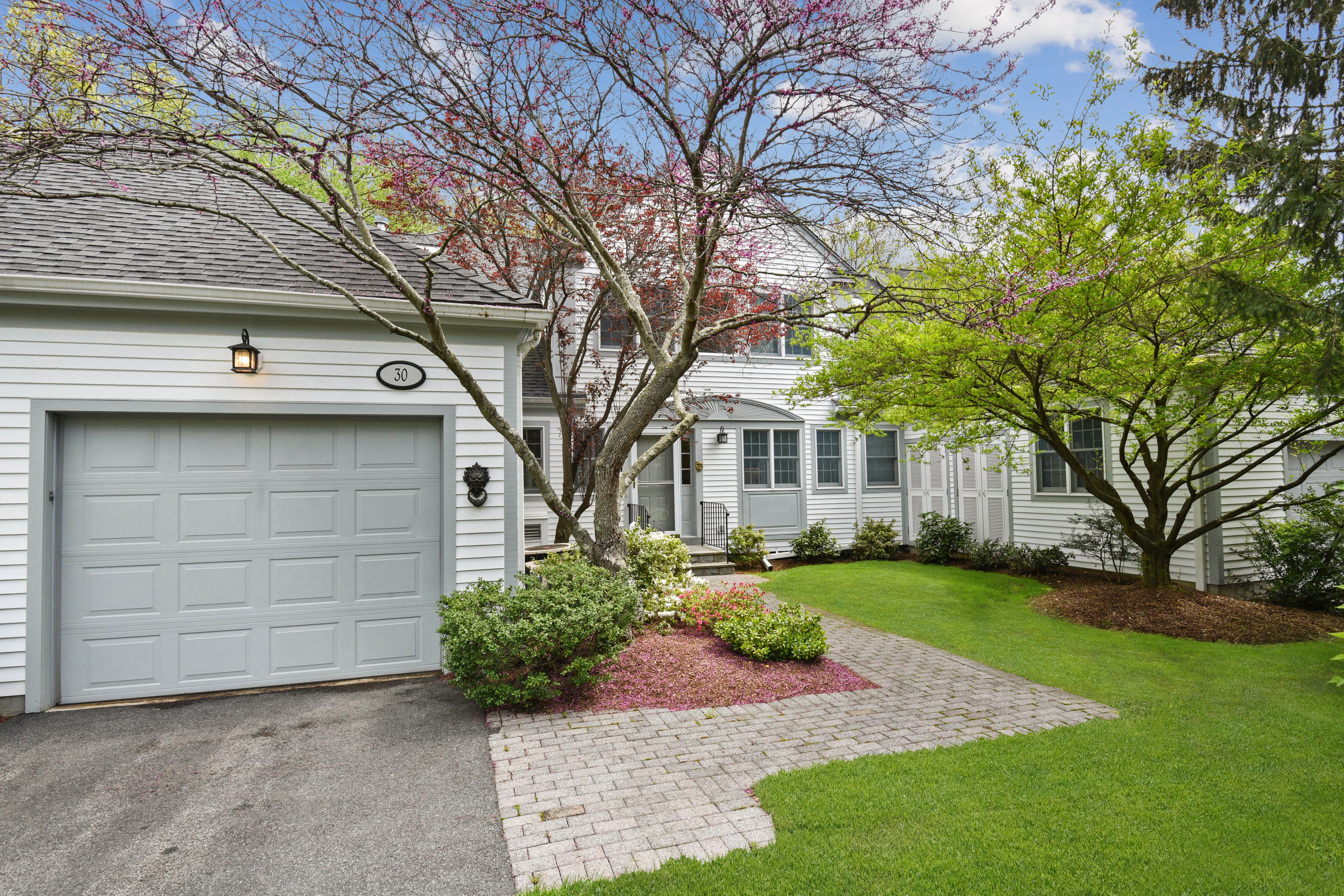 in 30 Brook Hills Circle, White Plains, NY ,10605