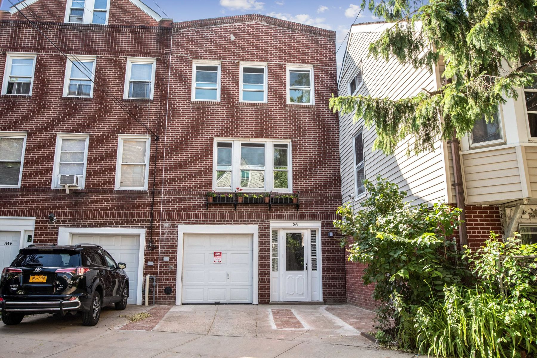 Townhouse/Row House for sale in 36 Van Corlear Place, Bronx, NY ,10463