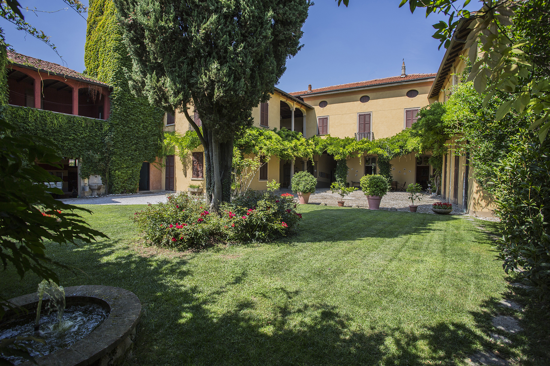 Residential For Sale in Piazza Fumagalli, Garbagnate Monastero, Lecco   , Italy
