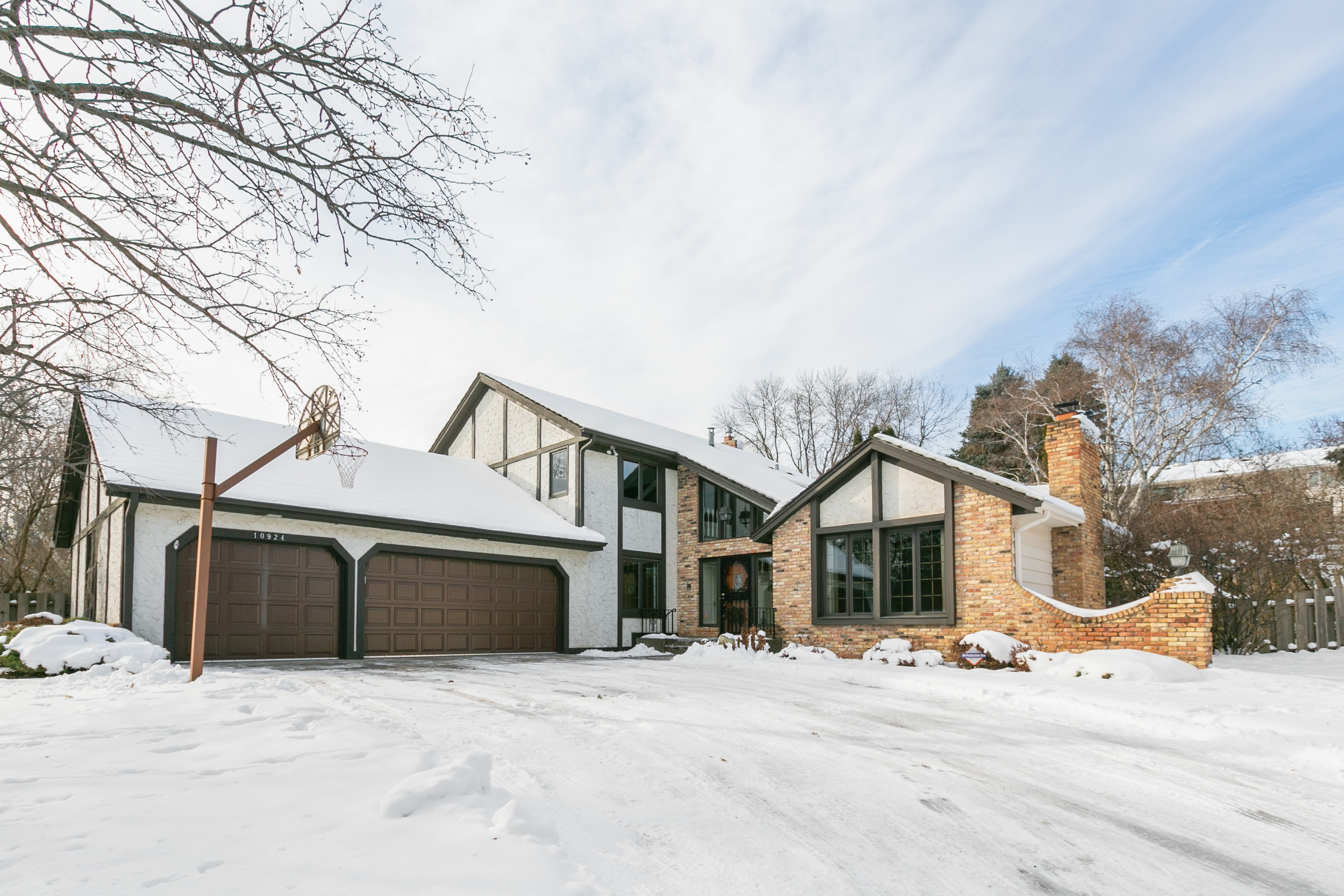 Single Family Home for sale in 10924 Girard Curve, Bloomington, Minnesota ,55431