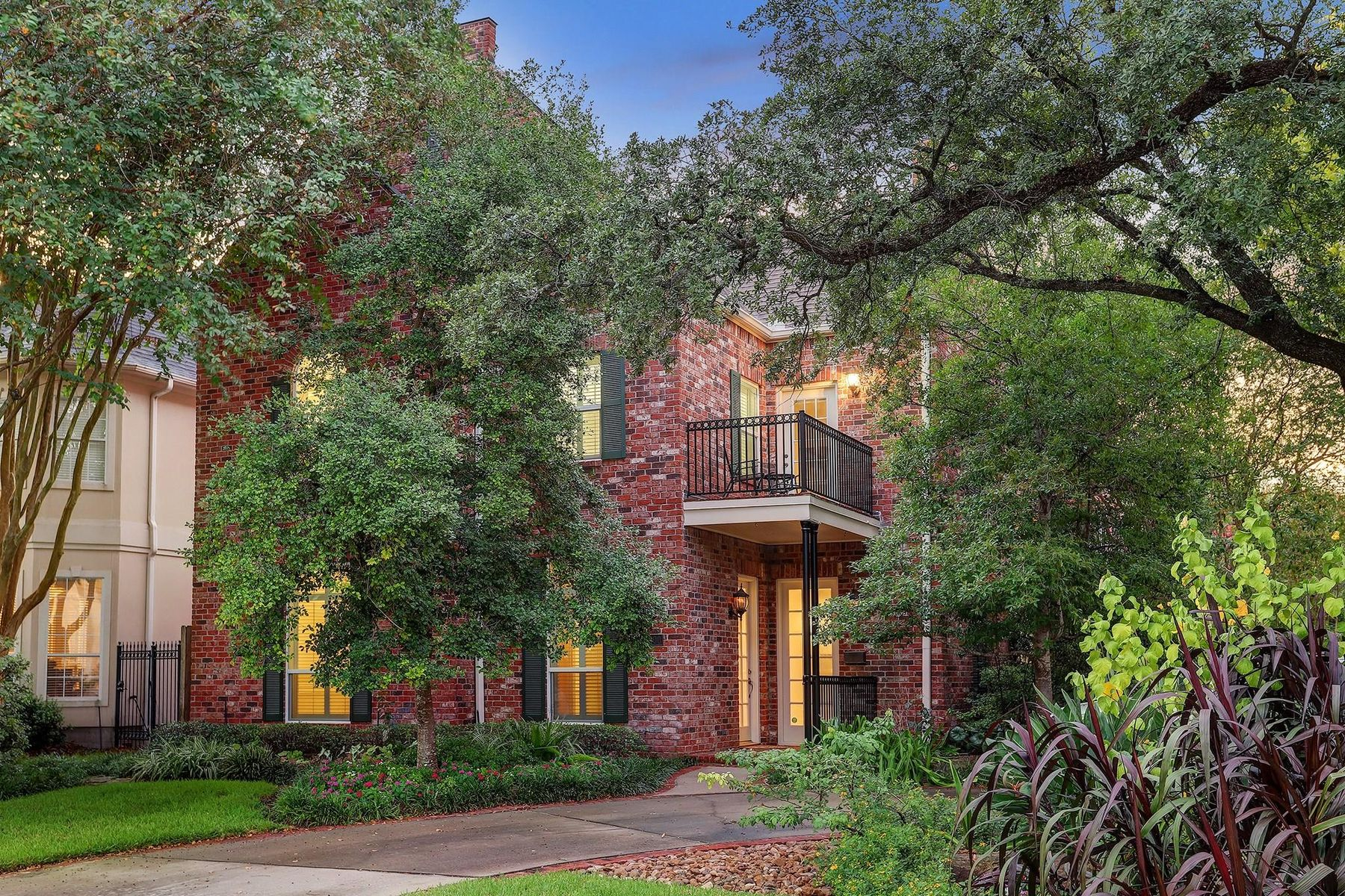 Single Family Home for sale in 4800 Willow Street, Bellaire, Texas ,77401