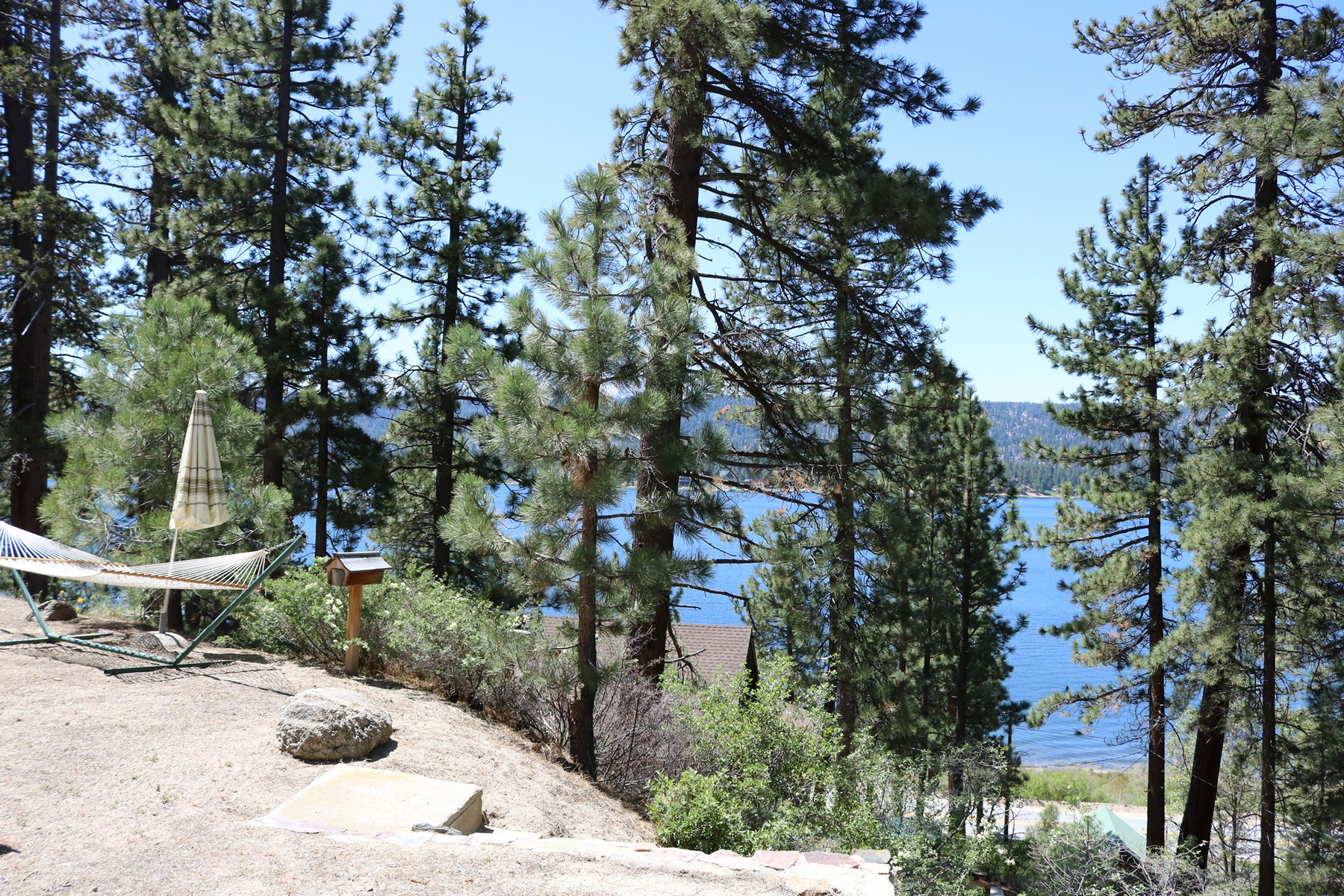Residential For Sale in 363 Pine Hill Drive, Fawnskin, California ,92333