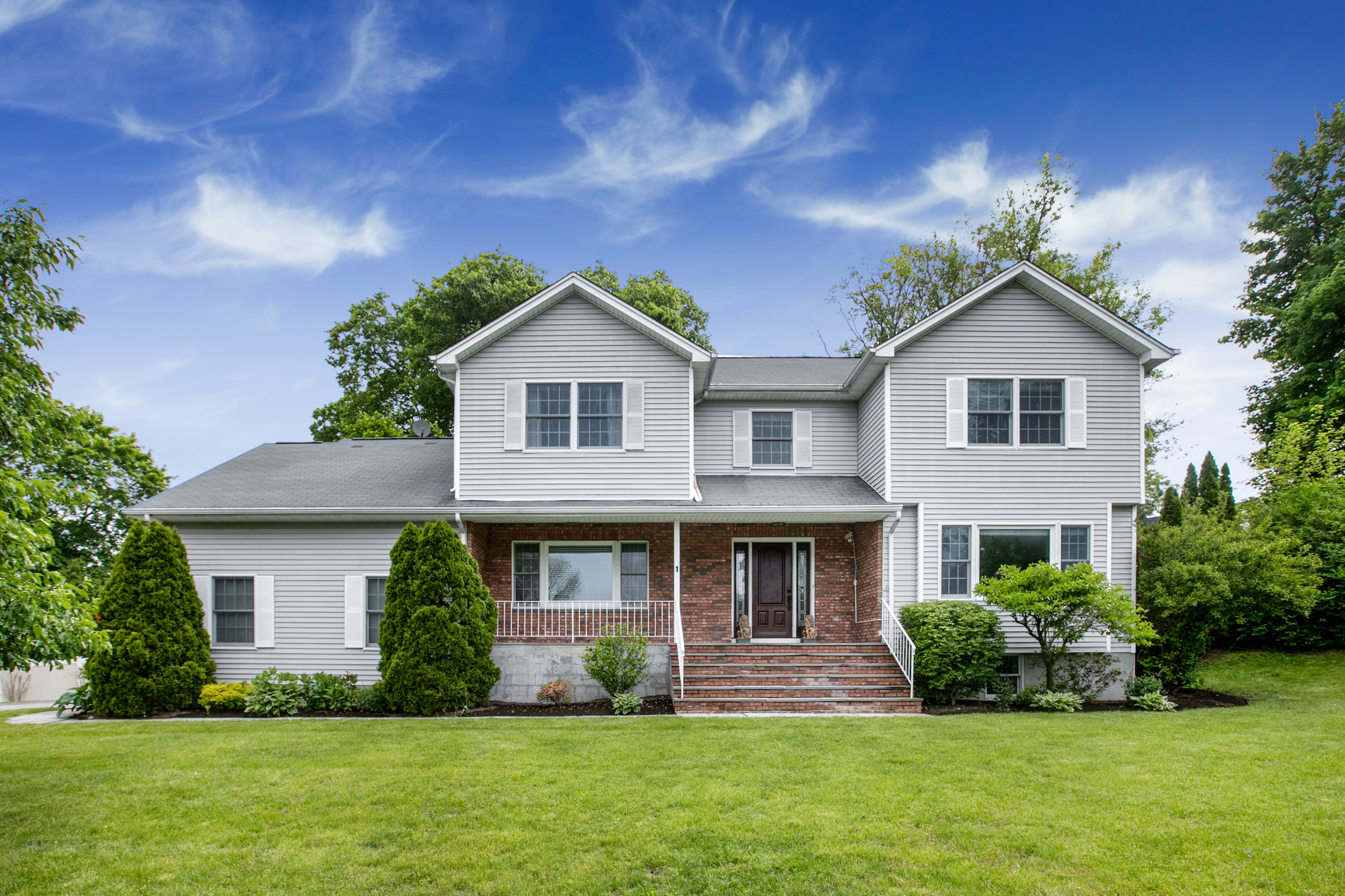 Single Family Home for sale in 1 Peaceable Court, Thornwood, NY ,10594