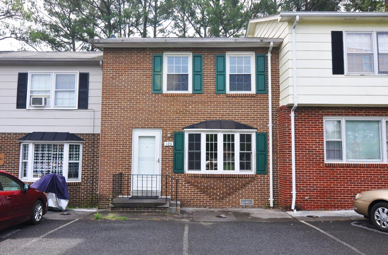 Townhouse/Row House for sale in 123 Brunswick Road, Stephens City, Virginia ,22655
